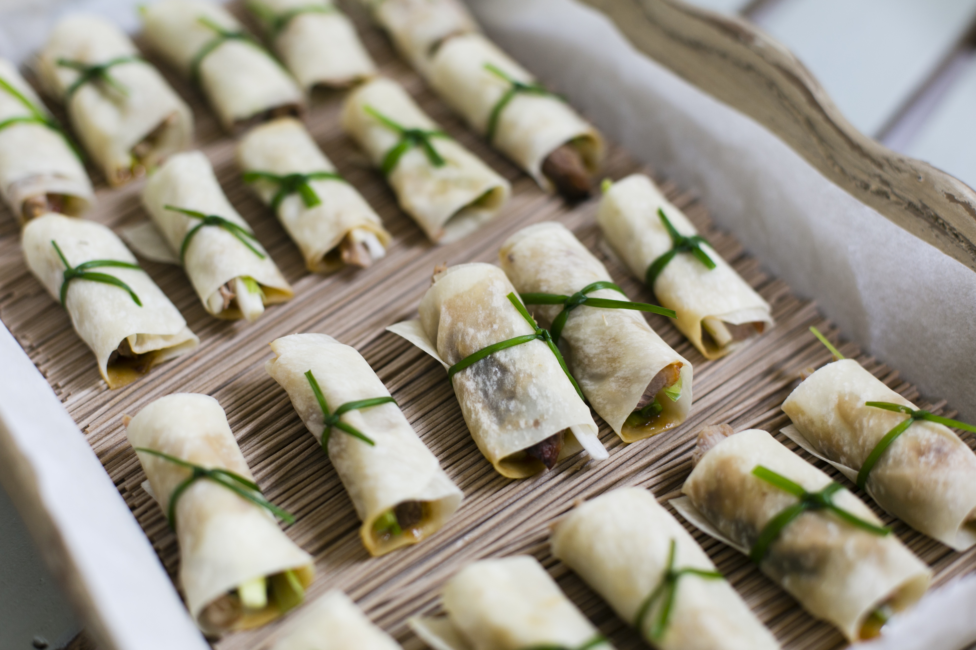 Fashionable canap s for a fashionable shop catering by for Asian canape ideas