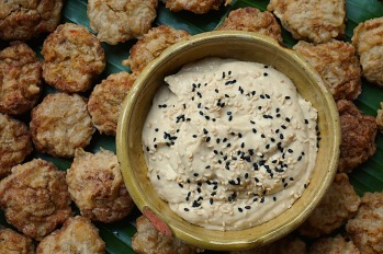 Fishcakes with tahini dip