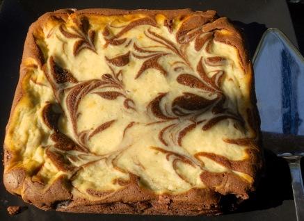 Dark chocolate & cream cheese brownies