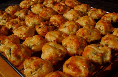 Choux pastry chilli buns