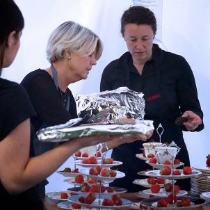 Caroline & Toria take desserts seriously
