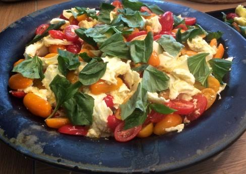 Mozzarella, tomatoes & basil