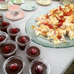 Chocolate mousse & Eton mess, Tanamerah-style
